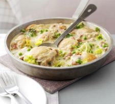 Frech-style Chicken with Peas and Bacon